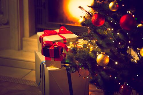 クリスマス プレゼント いつ おく