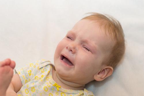 perut bayi panas, badan panas, demam, suhu badan meningkat, perut bayi panas kenapa, perut anak panas