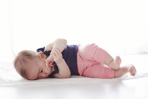 うつ伏せ 練習 いつから 赤ちゃん